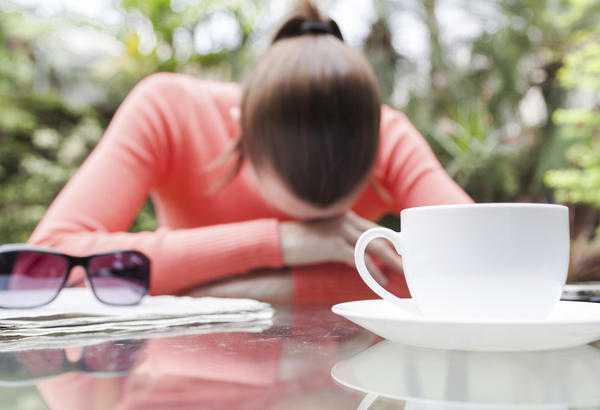 Symptoms Of Vitamin B12 Deficiency Include Apathy
