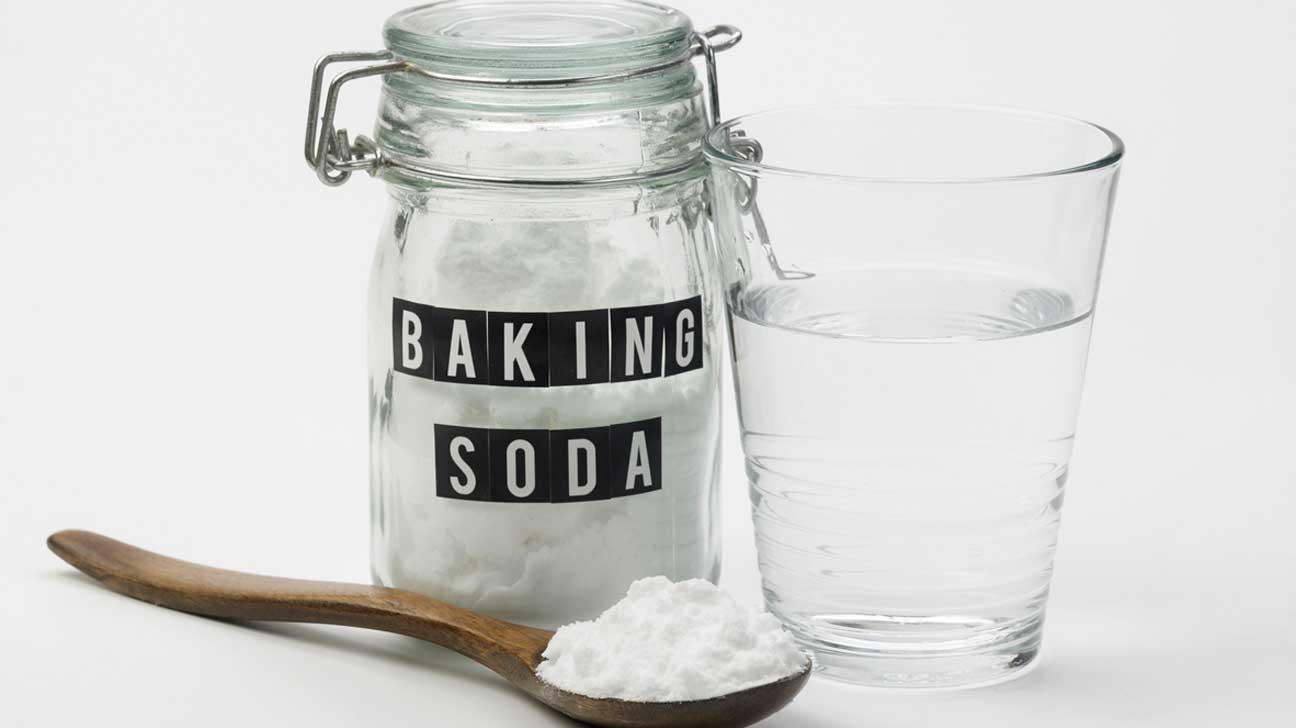 baking soda for eye bags